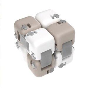 Image 3 - 새로운 샤오미 Mijia Mitu Spinner 다채로운 빌딩 블록 Finger Fidget 감압 장난감 퍼즐 조립 큐브 핑거 스피너 장난감