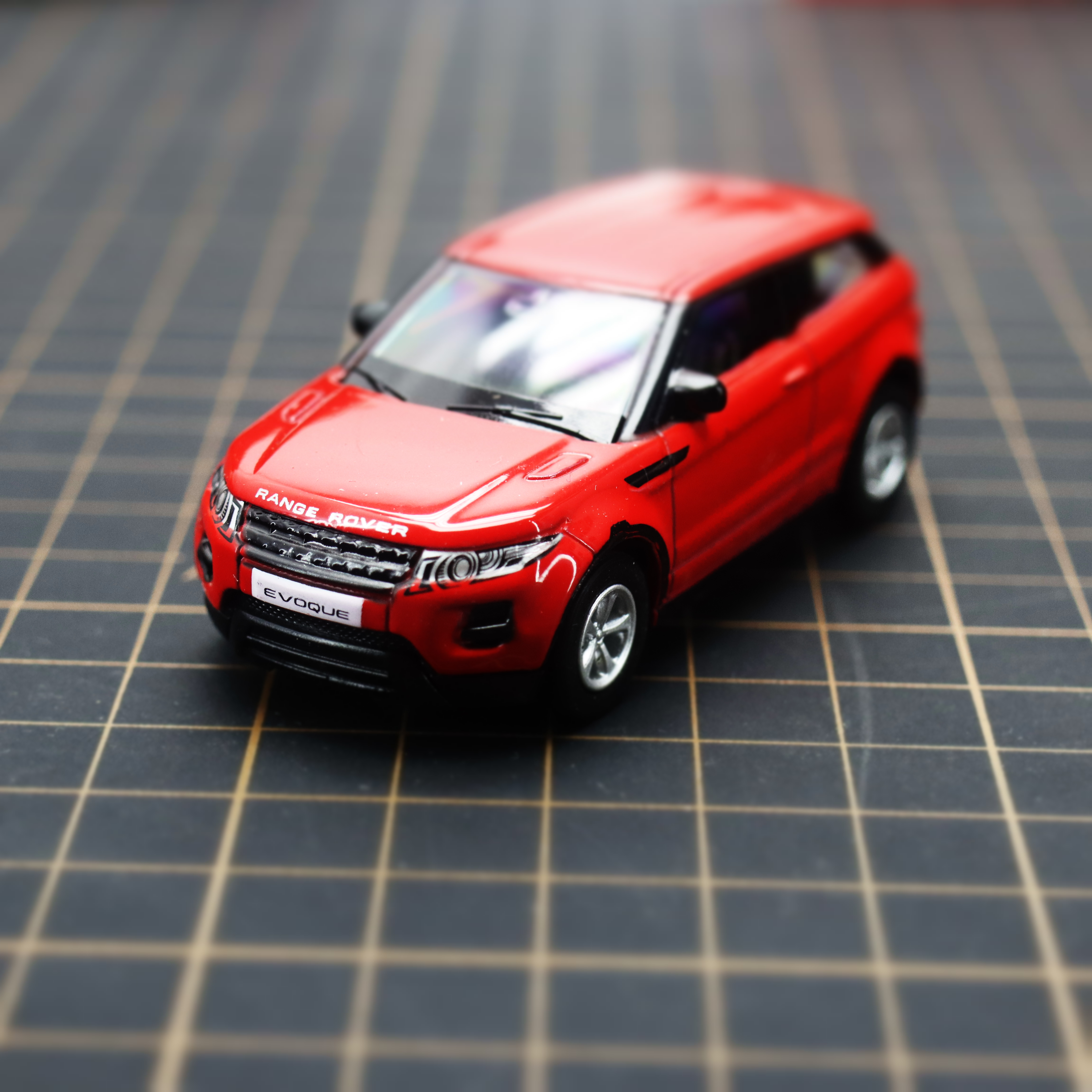 Diecast Alloy Toy Car Evoque 1/64 Pull-Back-Movable