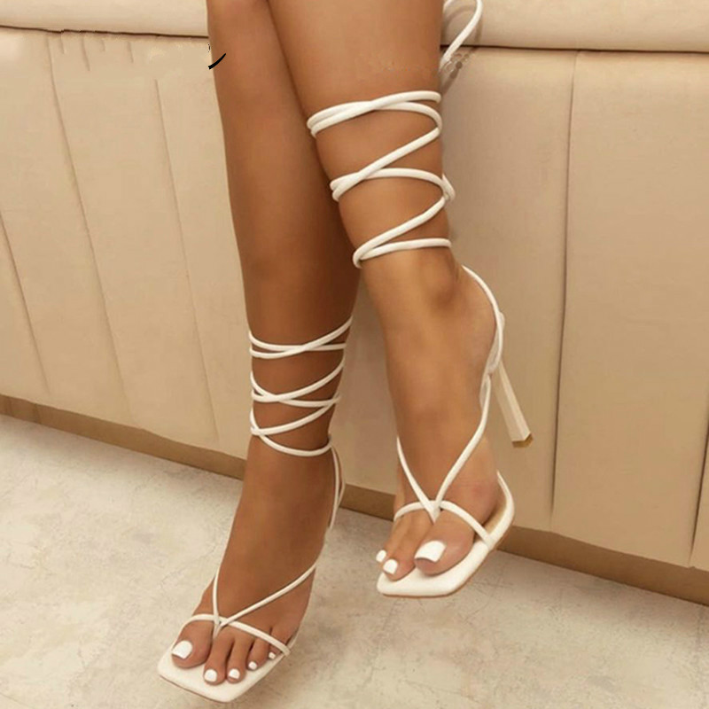Été femmes sandales bande étroite vintage bout carré talons hauts sangle croisée string sandales femmes V forme design chaussures femmes