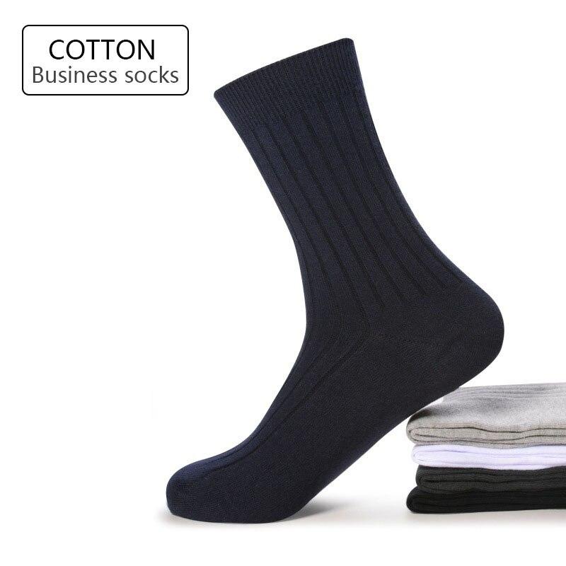 Yüksek kalite 5 çift/grup yeni erkek çorap pamuk siyah beyaz iş adamı çorap nefes çizgili çift iğne erkek uzun çorap