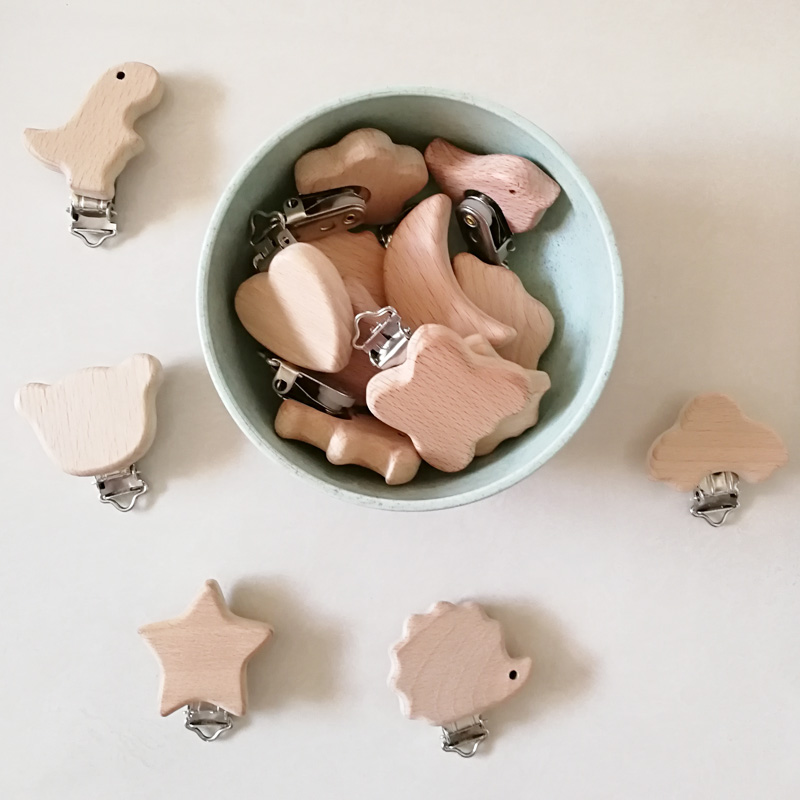 1pc New Arrival Lovely Wooden Pacifier Clip Natural Beech Wood Baby Pacifier Clips Dummy Clips DIY Pacifier Chain Accessory 1