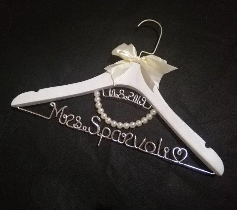 Personalized Wedding Hanger Bride Wire Name Hanger Wedding dress hanger w Pearls