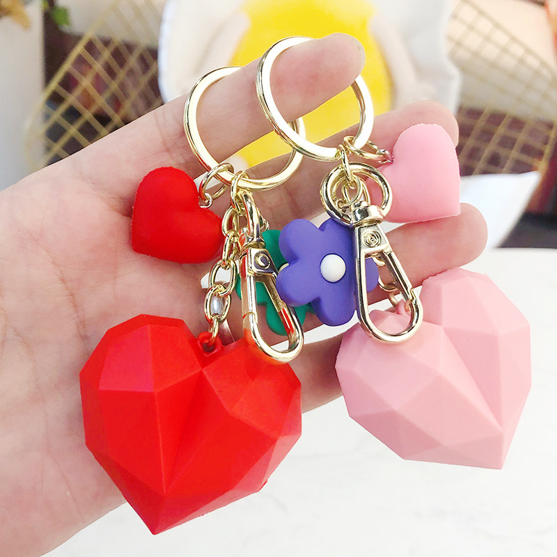 Creative cartoon geometric faceted heart keychain for Women Bag Ornament Car Key Chain Porte Clef keyring Decoration Jewelry