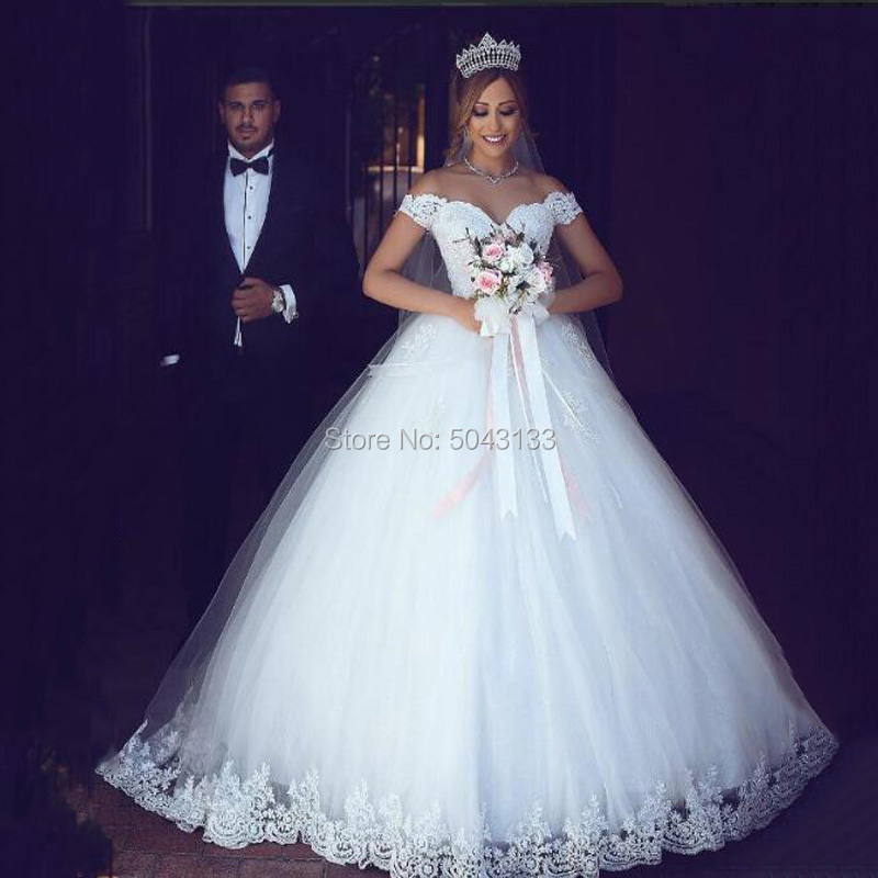 Off The Shoulder Ball Gown Wedding Dresses With White Lace Appliques 2020 Cap Sleeves Lace Up Floor Length Bridal Gown Vestidos
