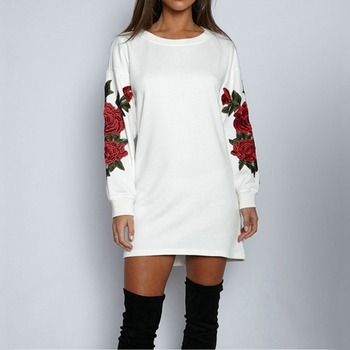 Harajuku 2019 Women Regular Long Sleeve Rose Floral Embroidery Applique Sweatshirt O-Neck Pullover Top Hoodies Women Kpop Gothic black long sleeves rose embroidery pattern cropped top