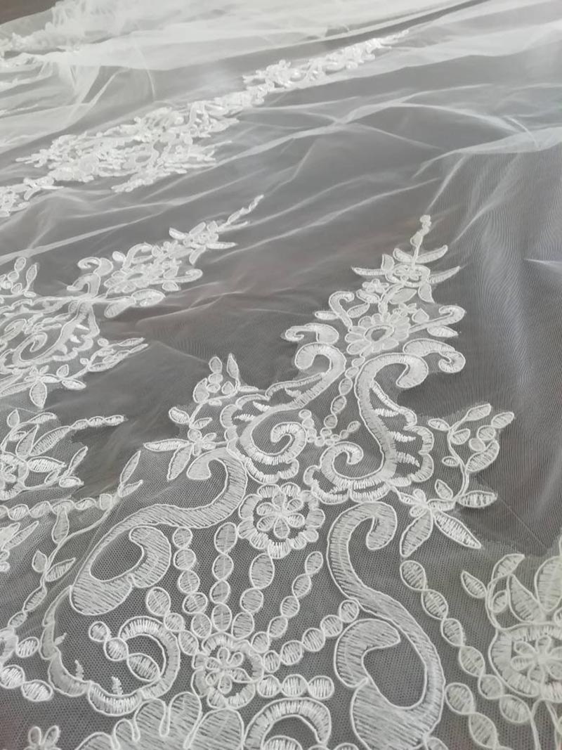 High Quality Neat Lace Long 4 Meters Wedding Veil with Comb 400cm One Layer Bridal Veil Bride Accessories Voile Mariage 4