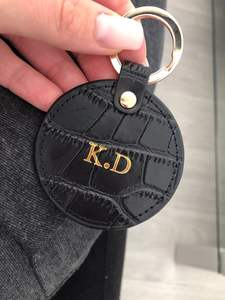 New Design Free Customed Initials Letters Crocodile Pattern Or Saffiano Leather Round Key Chain Key Ring Key Wallet