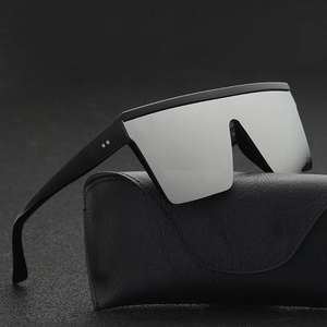 2020 Vintage Male Flat Top Sunglasses Men Brand Black Square Shades UV400 Gradient Sun Glasses For Men Cool One Piece Designer