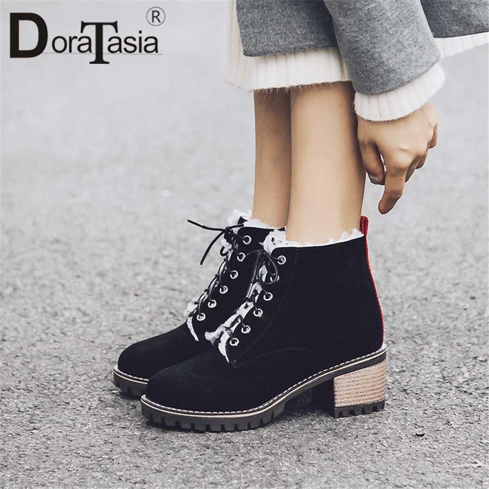 DORATASIA ขนาดใหญ่ขนาด 31-43 Elegant Booties สุภาพสตรีแพลตฟอร์มข้อเท้ารองเท้าผู้หญิง 2019 ฤดูหนาวเพิ่มขนสัตว์กว้างรองเท้าส้นสูงรองเท้าผู้หญิง