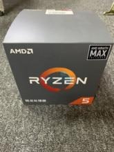 Neue CPU AMD Ryzen5 2600X R5 2600X3,6 GHz Sechs Core Zwölf Gewinde 95W CPU Prozessor YD260XBCM6IAF Buchse AM4 Mit Wraith Max Fan