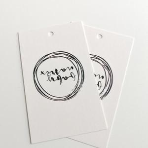 Image 5 - 300gsm kaplamalı kağıt özel etiketleri fiyat etiketi asmalı özeletiketler logo baskılı salıncak etiketleri kıyafet etiketi kişiselleştirilmiş etiket
