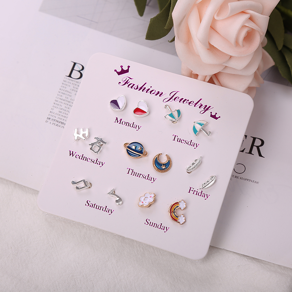 Women Trendy Stud Earrings Set with Card 7 Pairs/set One Week Monday To Sunday Rainbow Heart Crystal Earrings Jewelry