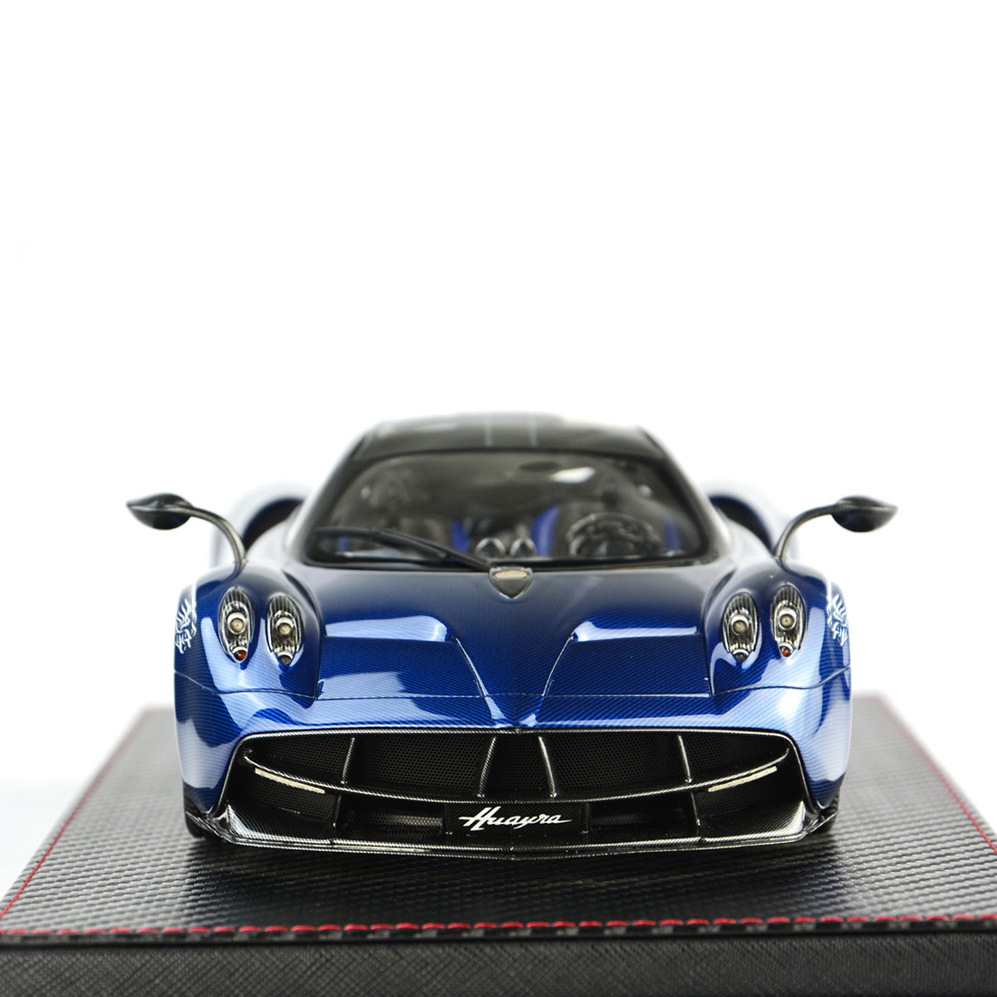 1:18 Car Model Pagani HUAYRA Model Collection Decor With Base Dust Cover Model Educational Toy Blue/Charcoal Grey/Purple Red