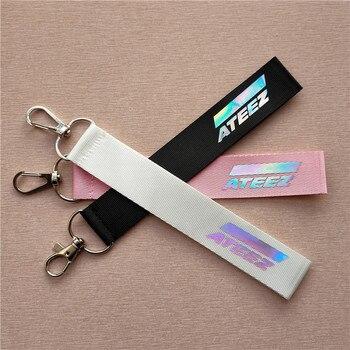 Kpop Ateez smycz laserowa telefon komórkowy ozdobny pasek breloczki brelok Kpop ATEEZ brelok do kluczy z ozdobą wysokiej jakości nowości