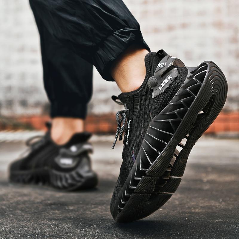 Men Running Blade Shoes cb5feb1b7314637725a2e7: Black Gray White