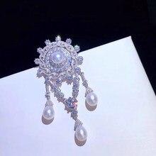 SHANICE prosty i elegancki luksusowy styl palce kryształ syntetyczny Hanban broszka biżuteria z pałąkiem na kark spinka szalik prezenty dla kobiet