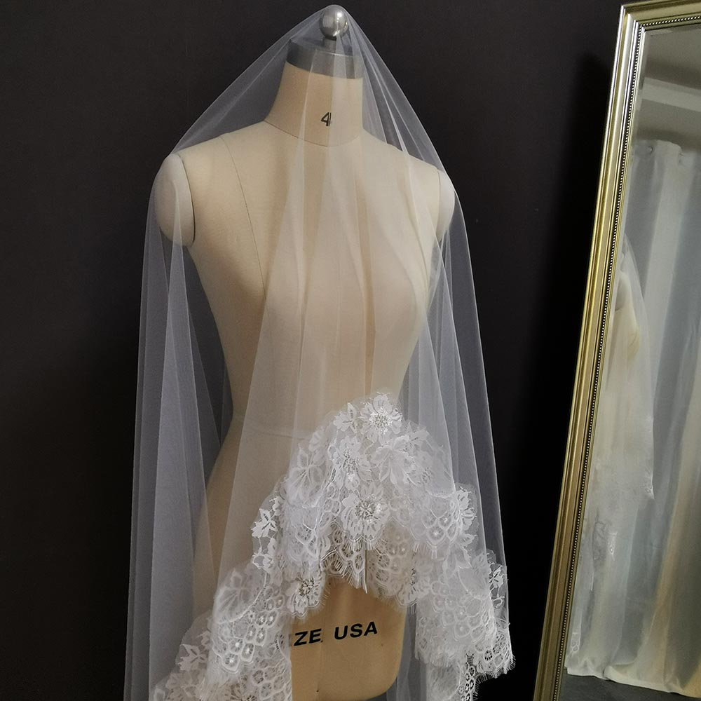 Elegant Eyelash Lace Wedding Veil 4 Meters Long One Layer Bridal Veil with Comb Romantic Veil for Bride Wedding Accessories