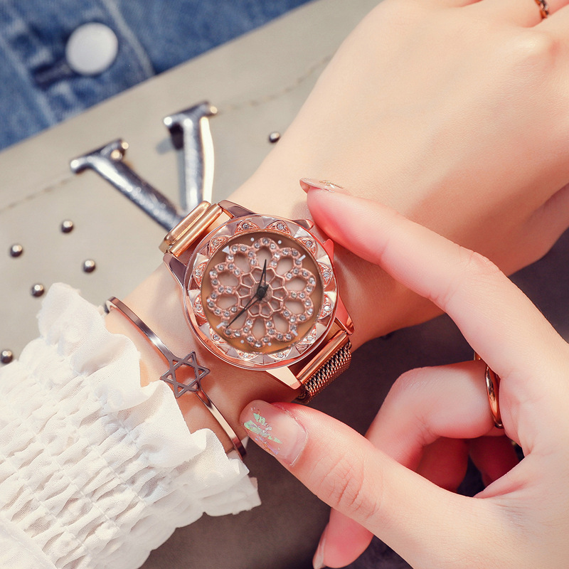 Reloj Mujer 2019 Women Lucky Watch Luxury Diamond Flower Rotating Dial Watch Fashion Ladies Crystal Quartz Magnetic Wristwatches