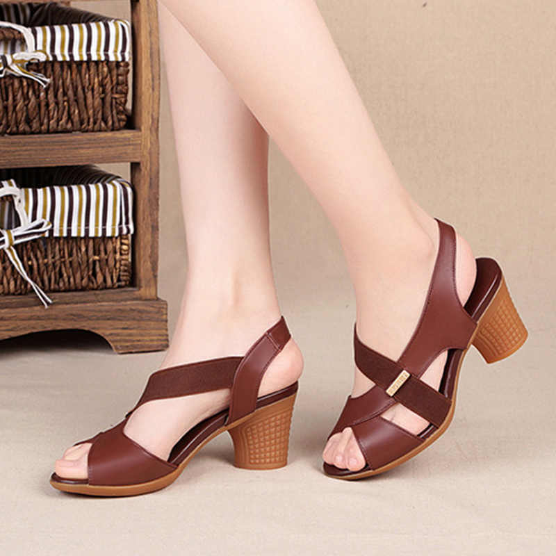 2020 Kadın Peep Toe Sandalet Kadınlar Toka Kayış Yüksek Topuklar Kadın Kalın Topuk Kadın Rahatlık Bayanlar Moda Ayakkabılar Ayakkabı