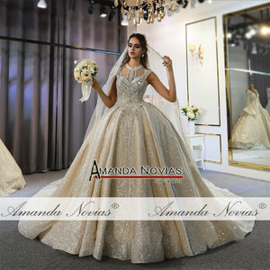 Image 5 - Abito דה sposa שמלת חתונת יוקרה דובאי חתונת שמלת 2020 עם ארוך תחרה רעלה אמנדה novias