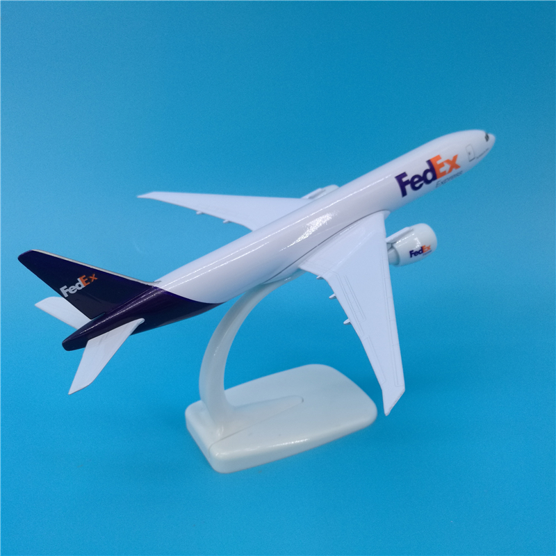 20cm FedEx Cargo Logistics 777 Aircraft Model Decoration Souvenir Airplane Fly Model Scale Kit Airplane Cargo Toy for Children image