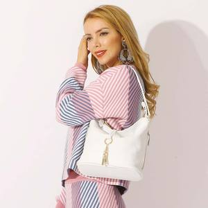 """Image 2 - """"חדש אופנה נשים כתף תיק מתכת ציצית 100% עור אמיתי ליידי Crossbody שליח אלגנטי מתנת תיק שחור לבן"""