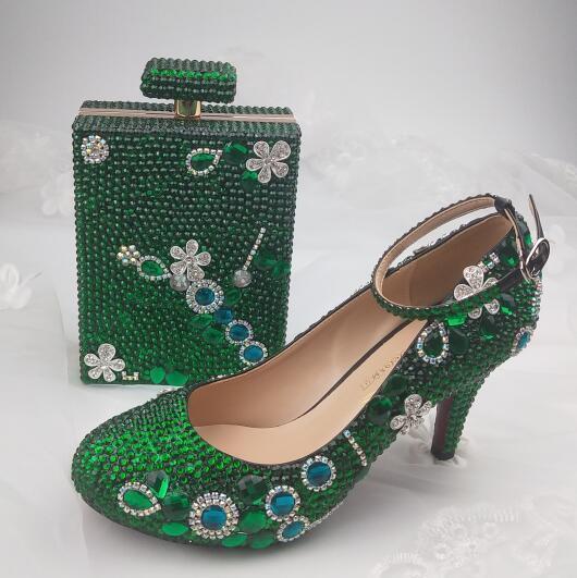 Sapatos de festa com correspondência sacos de