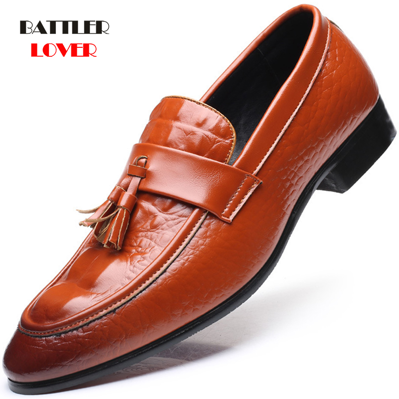 Luxury Brand Genuine Leather Pointed Toe Business Tassel Brogue Shoes Men Dress Casual Soft Rubber Shoe Breathable Wedding Shoes