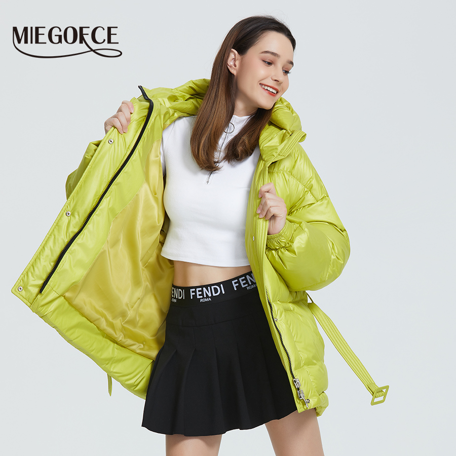 MIEGOFCE 2019 Новая зимняя женская куртка высокое качество яркие расцветки утепленные дутые куртки стойкий воротник с капюшоном Куртка утепленн... - 2