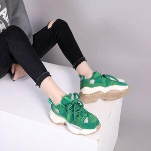 Image 4 - נשים של ירוק סניקרס אופנתי לנשימה ריצה נעלי שמנמן נעלי אבא עבה תחתון טריז עקב גבוהה נעליים יומיומיות