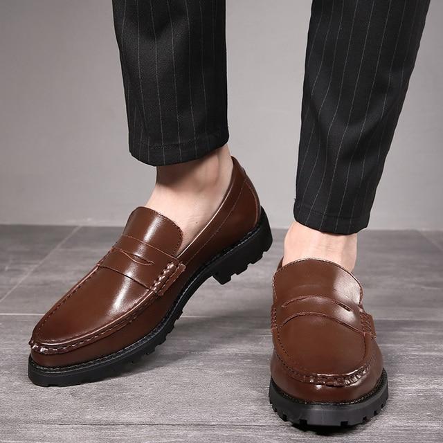 2020 vestido de couro genuíno sapatos masculinos deslizamento on negócios casamento formal sapatos planos para homem