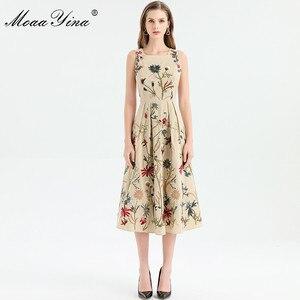 Image 4 - MoaaYina moda tasarımcısı elbise ilkbahar yaz kadın elbise kolsuz çiçekler nakış zarif Midi elbiseler
