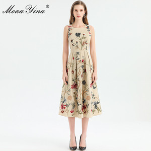 Image 4 - MoaaYina ファッションデザイナードレス春夏の女性はノースリーブ花刺繍エレガントなミディドレス