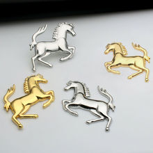 Etiqueta engomada del cuerpo del parachoques de la ventana del coche del caballo del Metal 3D insignia del emblema de la etiqueta del logotipo accesorios de ajuste de la decoración para el reloj