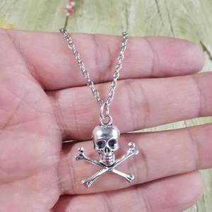 Ожерелье с подвеской в виде черепа и костей для мужчин и женщин, длинная цепочка с крестом, винтажное Ювелирное Украшение в стиле панк и готи...