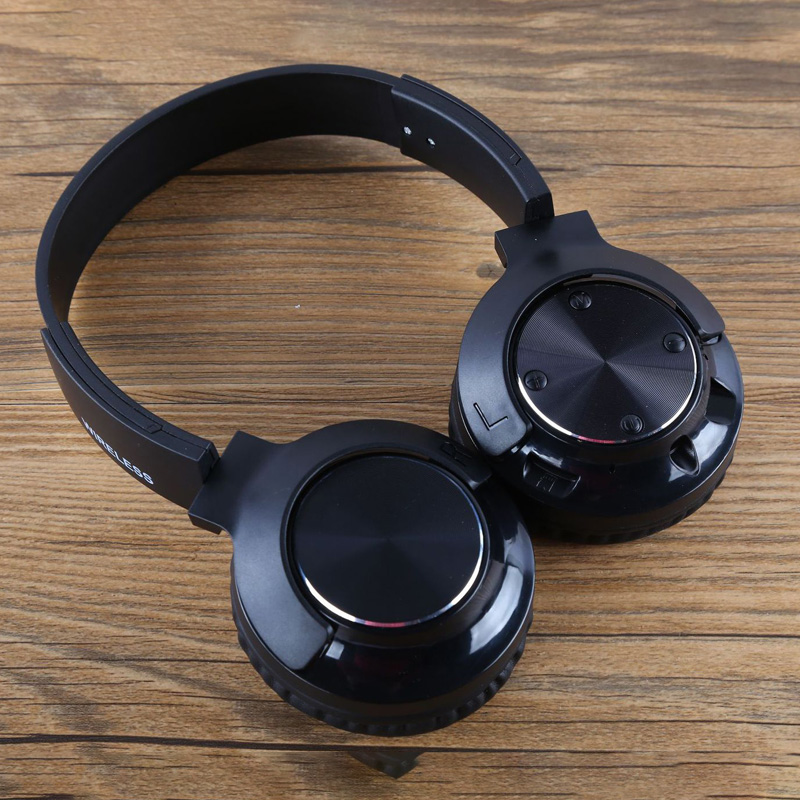 Foldable discount Stereo Earphones