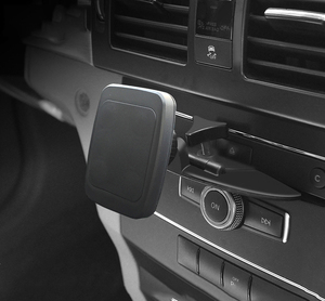 Image 3 - Автомобильный держатель для телефона, магнитный кронштейн, CD порт, подставка для планшета, ПК, магнитный автомобильный держатель для iPad 9,7 10,5 11 MINI 4 Samsung Tab GPS Mount
