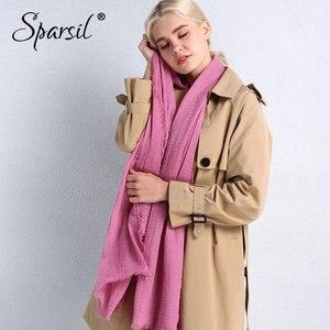 Image 5 - Sparsil bahar yeni pamuk kadın eşarp düz renk buruşuk Retro eşarp ile kısa püsküller 180cm büyük şal müslüman kadın hicap