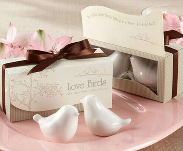 Darmowa wysyłka 50 sztuk/partia (25 pudełka) doskonały mały ślub prezent dla gości love birds solniczki i pieprzniczki ślub dobrodziejstw