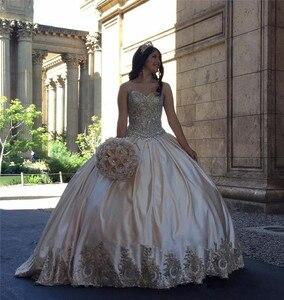 Image 2 - JaneVini lüks prenses saten uzun Quinceanera elbiseler balo sevgiliye altın dantel aplikler kristal Vestidos De ayva Anos