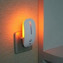 LED lampka nocna czujnik ruchu ciała światło na czujnik ruchu inteligentna noc w domu lampa energooszczędna Auto On Off 110V 220V ue wtyczka tanie tanio NoEnName_Null 220 v Nowość Other HOLIDAY