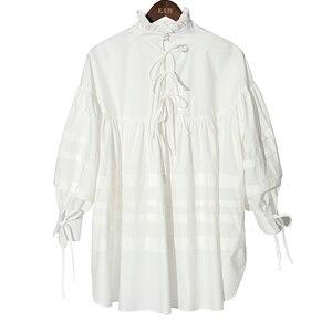 Image 3 - [EAM] 여성 주름 장식 분할 큰 크기 블라우스 새로운 스탠드 칼라 긴 소매 느슨한 맞는 셔츠 패션 봄 가을 2020 1D464