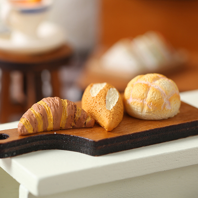 Japan Style Kawaii Cartoon Animals Cat Simulation Food Bread Resin Home Decoration Gifts Miniature Figurines Ornament Hogar 5