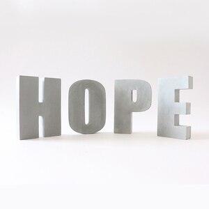 Image 1 - Grande letra de concreto molde de silicone cimento alfabeto decoração molde criativo escritório bookends molde 16*3cm