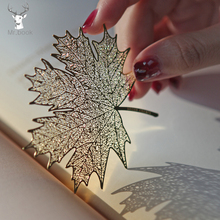 Купить с кэшбэком Creative Retro Golden Hollow Sycamore Leaves Design Metal Bookmark for Books School Students Vintage Bookmarks Beautiful Gifts