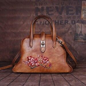 Image 2 - Johnature Handmade ลายนูนกระเป๋าถือหรูผู้หญิงกระเป๋า 2019 ใหม่ของแท้หนัง Hobos Retro ดอกไม้ไหล่กระเป๋า Crossbody