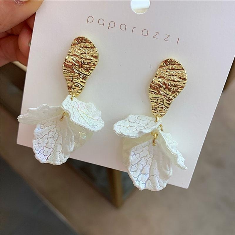 2020 New Korean Shell Petal Flower Earrings Fashion Personality Net Red Earrings Hypoallergenic Elegant Delicate Earrings