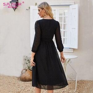 Image 2 - S.FLAVOR mujeres negro Sexy fiesta Vestidos 2020 otoño moda nuevo vestido de gasa mujeres cuello pico ajustado bohemio A line Vestidos