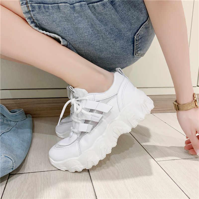 スニーカーの靴女性のメッシュカジュアルプラットフォーム加硫靴プラットフォームスニーカー女性の靴分厚いスニーカーお父さん靴トレーナー女性