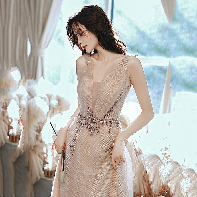 Sweet Celebrity Dresses V-Neck Shiny Beading Sequined Pleat Tulle Ceremony Wedding Christmas Party Guests Prom Dresses 2021 New